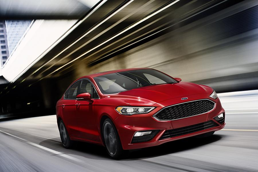 2017 Ford Fusion Hybrid Photo 1 of 4