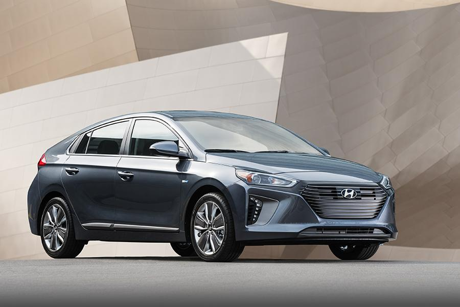 2017 Hyundai Ioniq Photo 5 of 21