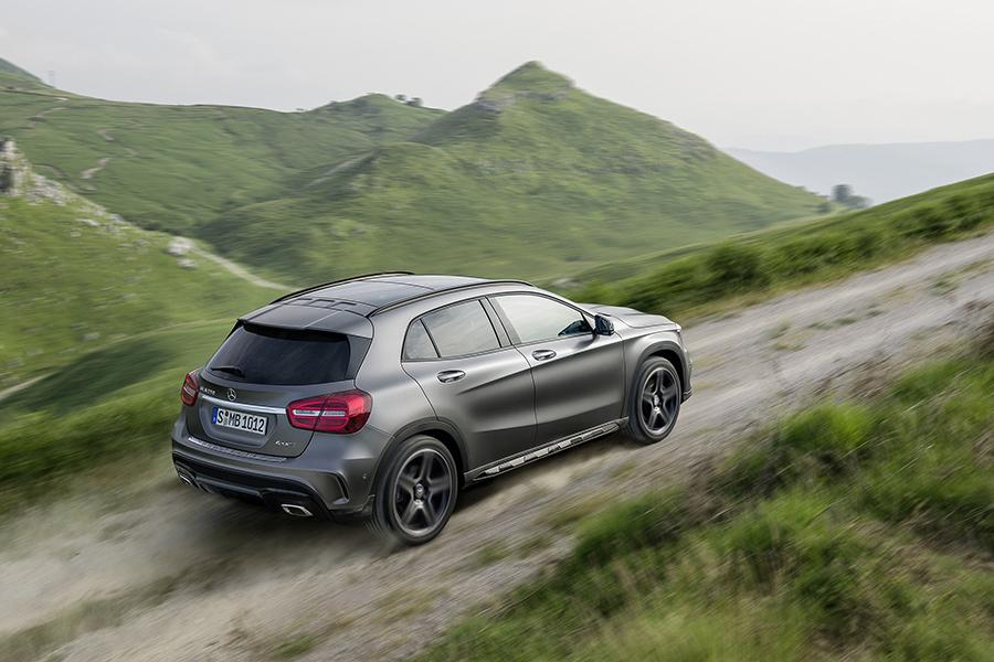 Mercedes benz gla class sport utility models price specs for Mercedes benz gla class price