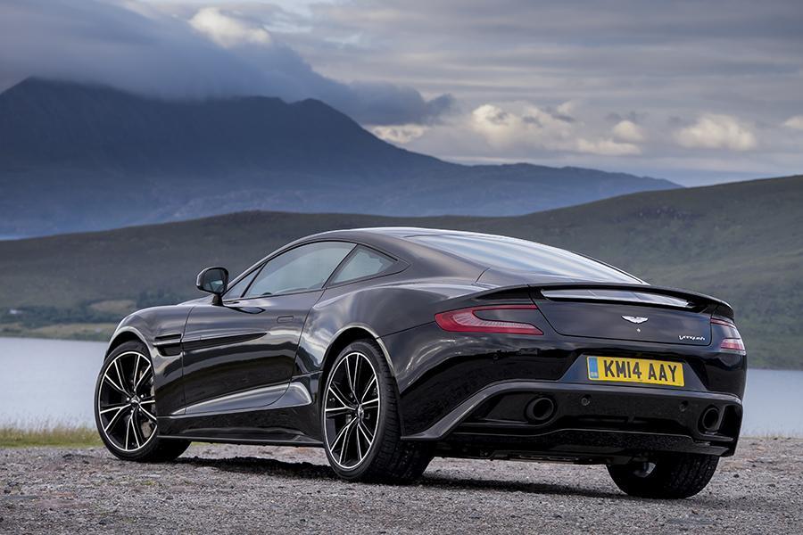 2016 Aston Martin Vanquish Photo 2 of 6