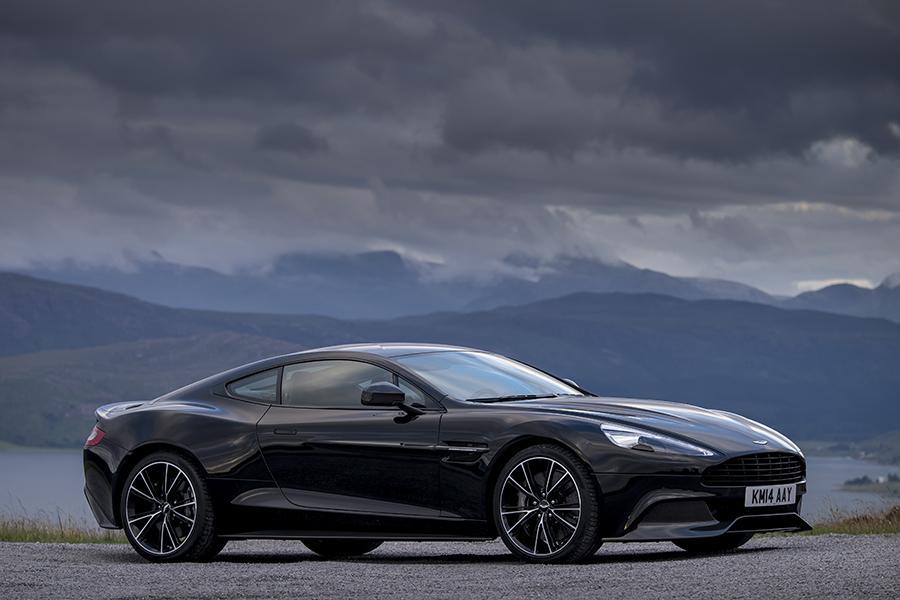 2016 Aston Martin Vanquish Photo 3 of 6