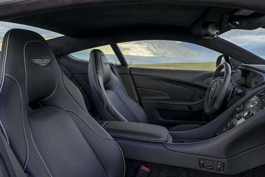 2016 Aston Martin Vanquish Photo 5 of 6