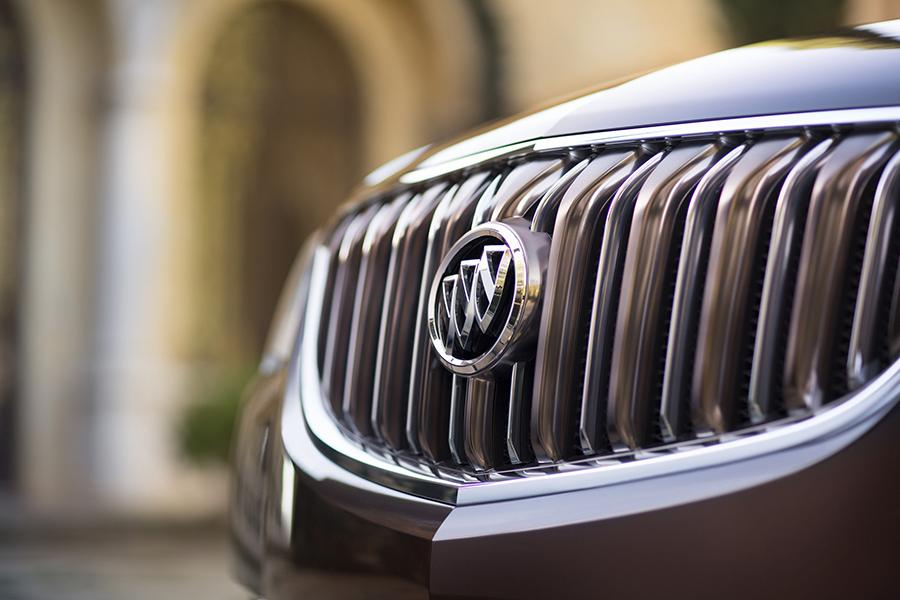 2017 Buick Enclave Photo 3 of 13