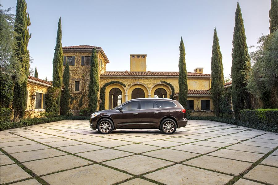2017 Buick Enclave Photo 4 of 13