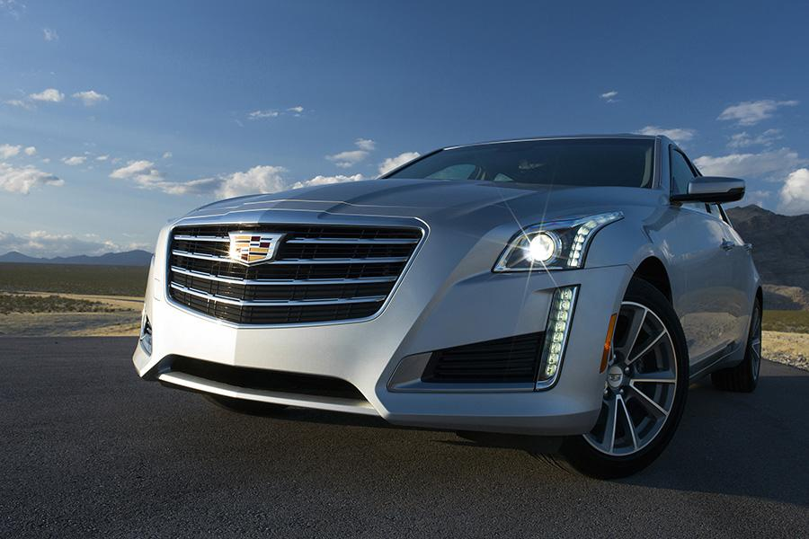2017 Cadillac CTS Photo 3 of 10