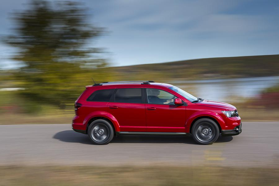 2017 dodge journey overview. Black Bedroom Furniture Sets. Home Design Ideas