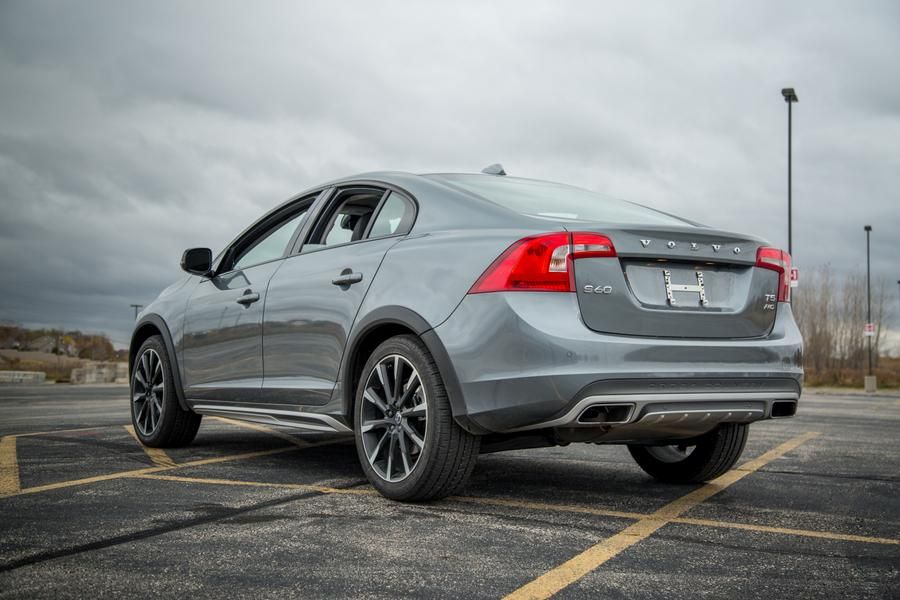 2017 volvo s60 cross country specs pictures trims colors. Black Bedroom Furniture Sets. Home Design Ideas
