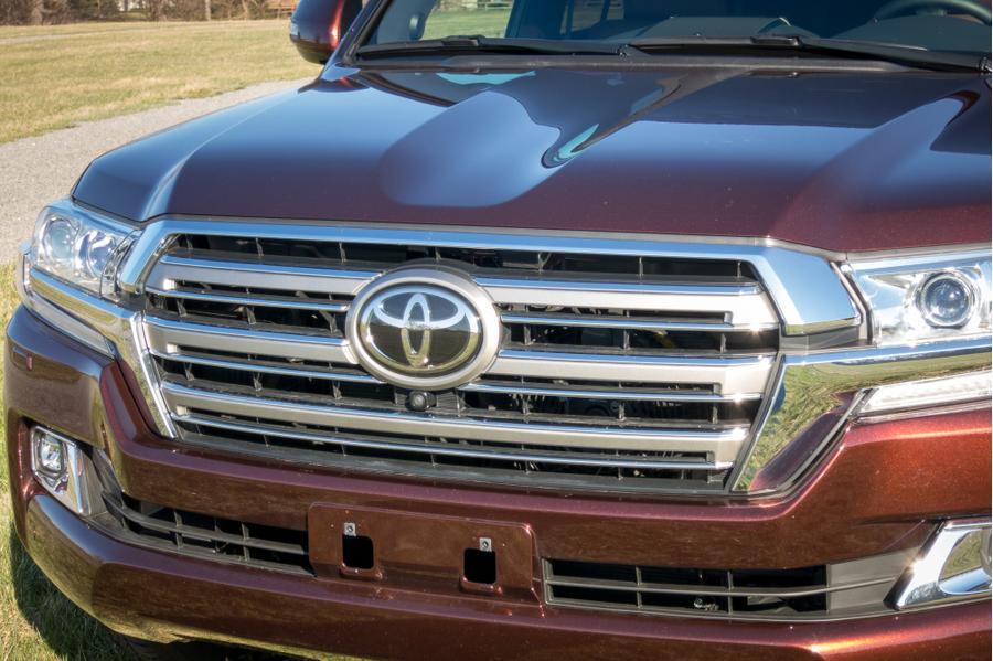 2017 Toyota Land Cruiser Photo 4 of 19