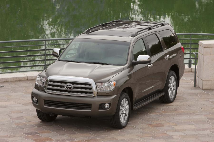 2017 toyota sequoia overview. Black Bedroom Furniture Sets. Home Design Ideas