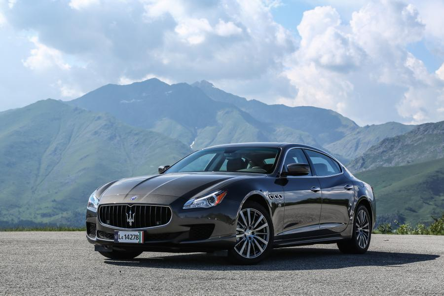 2017 Maserati Ghibli Photo 1 of 10