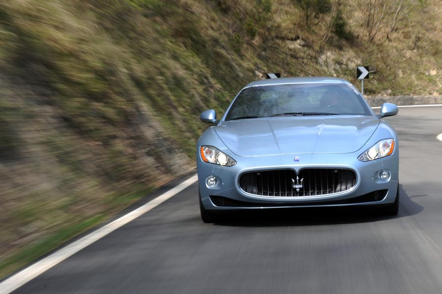 2017 Maserati GranTurismo Photo 3 of 9