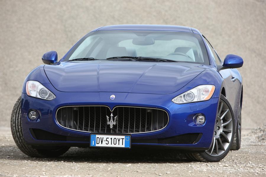 2017 Maserati GranTurismo Photo 4 of 9