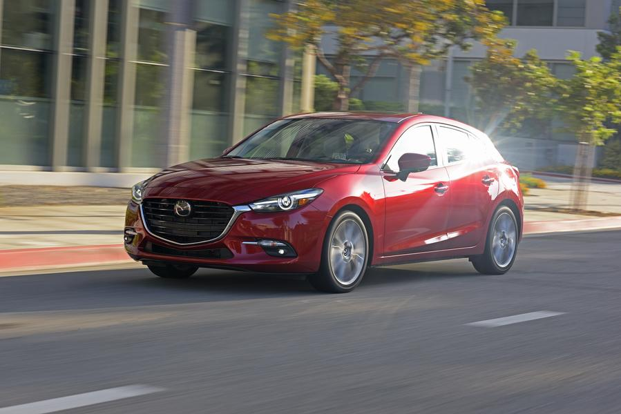 2017 Mazda Mazda3 Photo 2 of 15