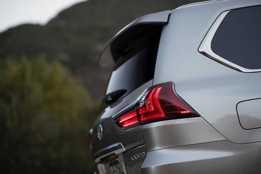 2017 Lexus LX 570 Photo 2 of 11