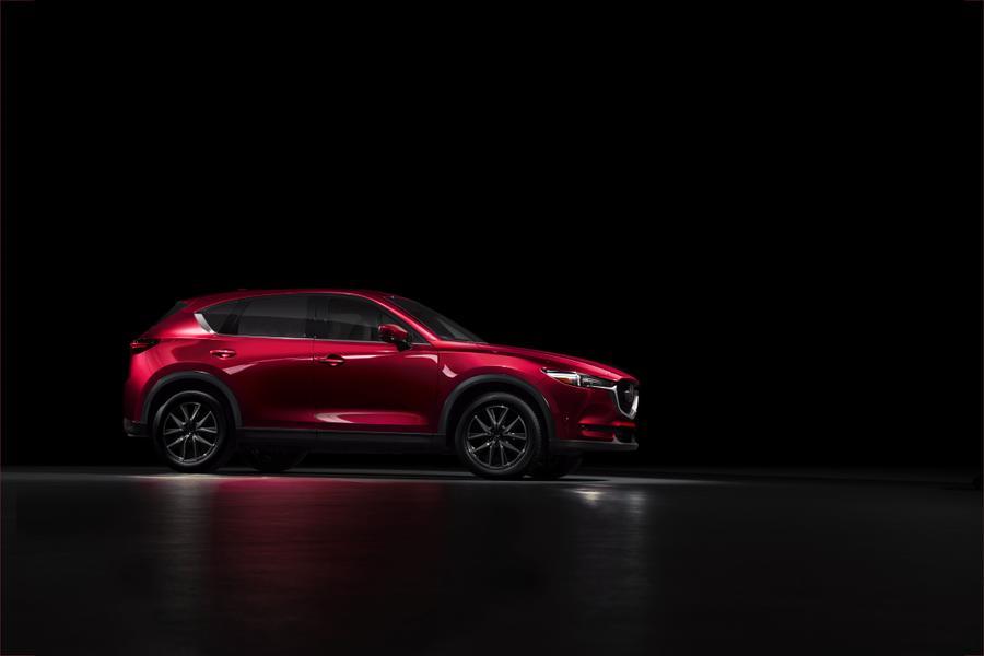 2017 Mazda CX-5 Photo 4 of 18