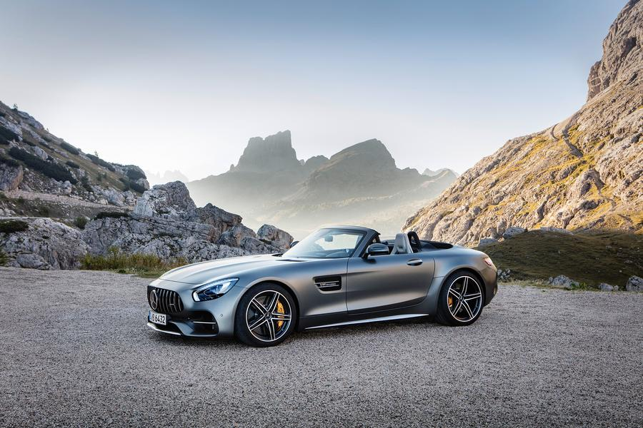2017 mercedes benz amg gt reviews specs and prices. Black Bedroom Furniture Sets. Home Design Ideas