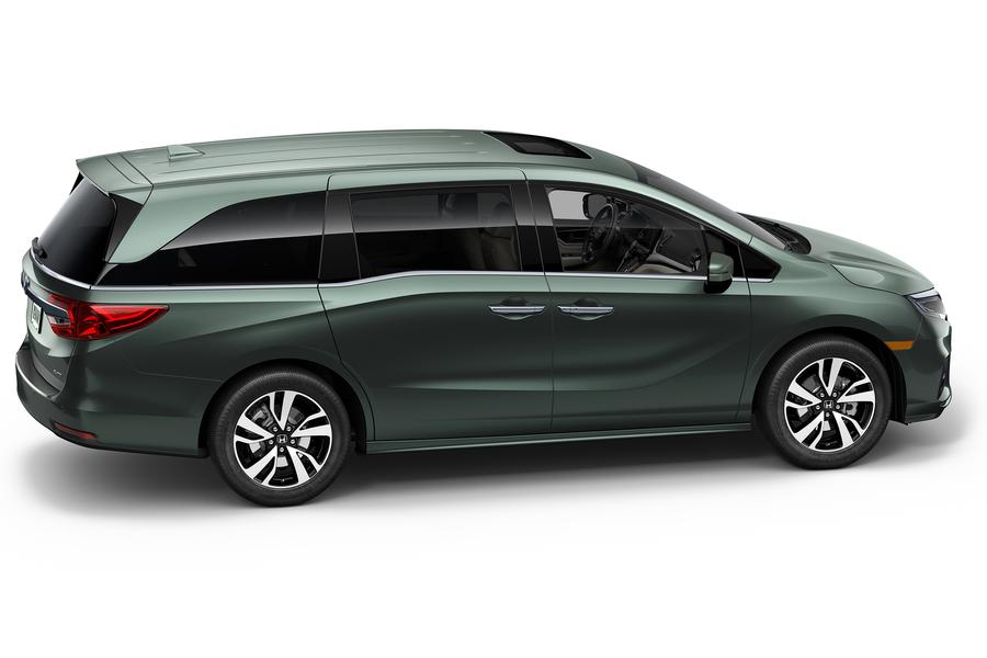 Honda Odyssey Passenger Van Models Price Specs Reviews  Carscom