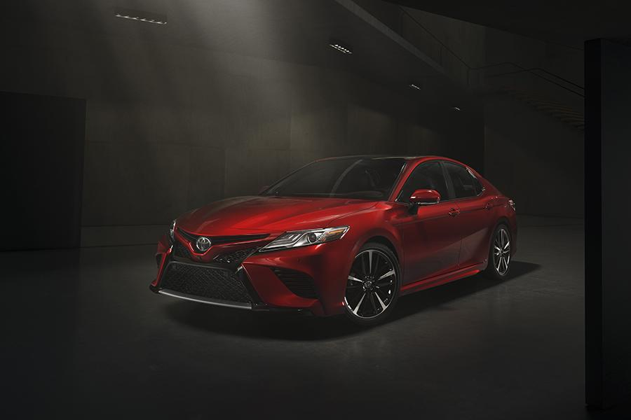 2018 Toyota Camry Photo 1 of 16