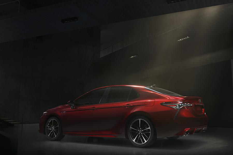 2018 Toyota Camry Photo 5 of 16