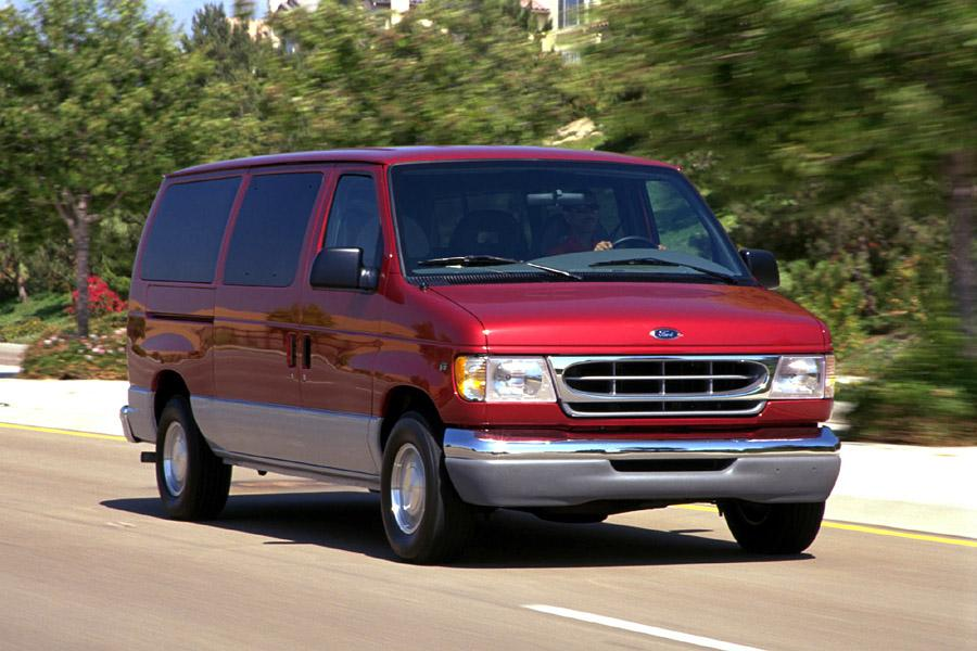 2000 Ford E150 Photo 1 of 4