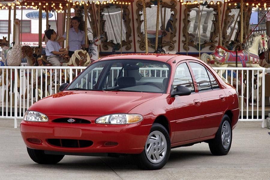 2000 Ford Escort Photo 2 of 7