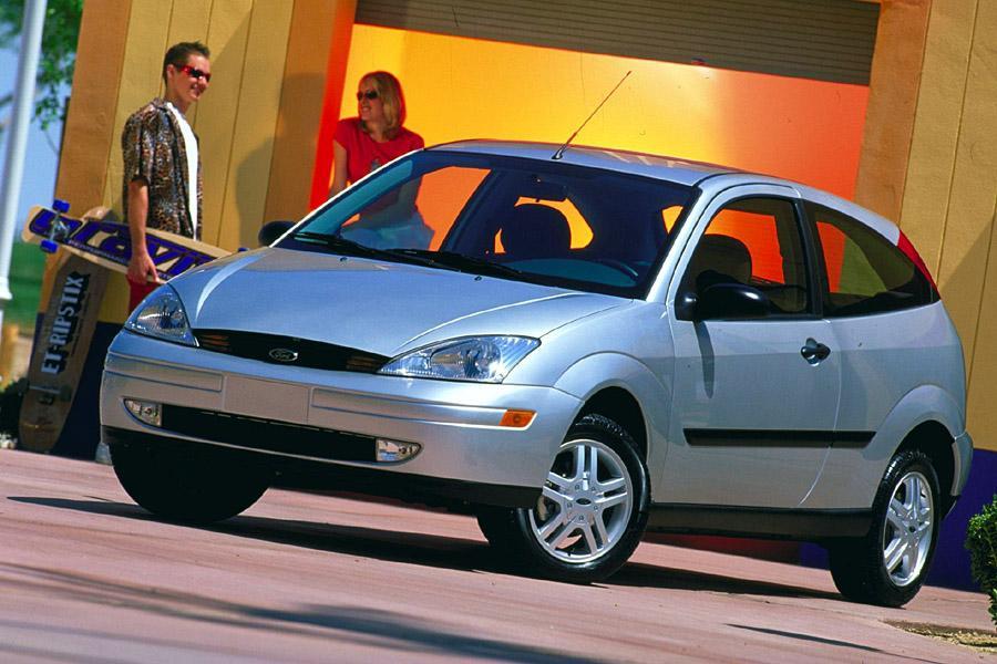 Car Seat Recall >> 2000 Ford Focus Specs, Pictures, Trims, Colors || Cars.com