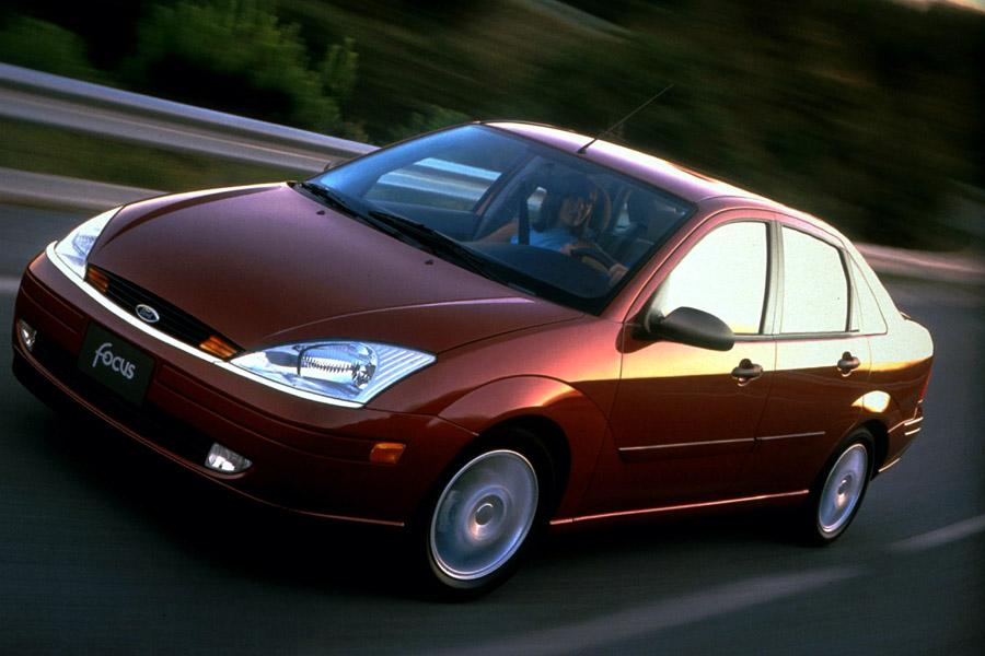 2000 Ford Focus Overview  Carscom