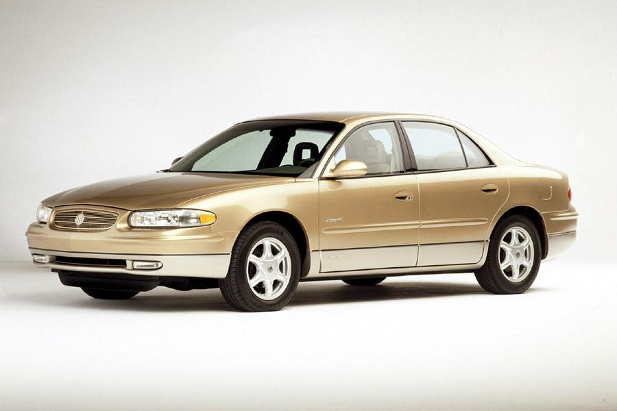 2001 Buick Regal Photo 1 of 8