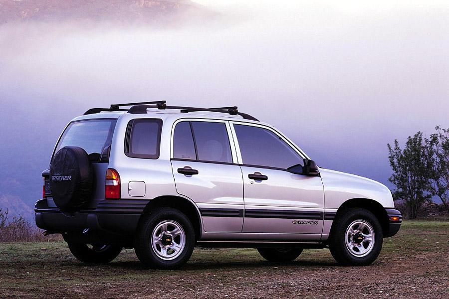 2001 Chevrolet Tracker Photo 3 of 14