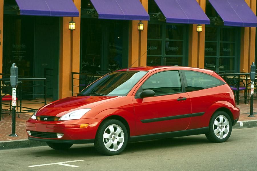 2001 ford focus reviews specs and prices. Black Bedroom Furniture Sets. Home Design Ideas