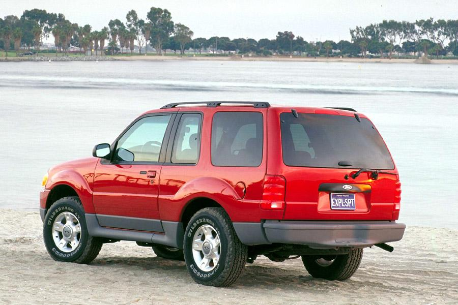 2001 Ford Explorer Sport Photo 2 of 8