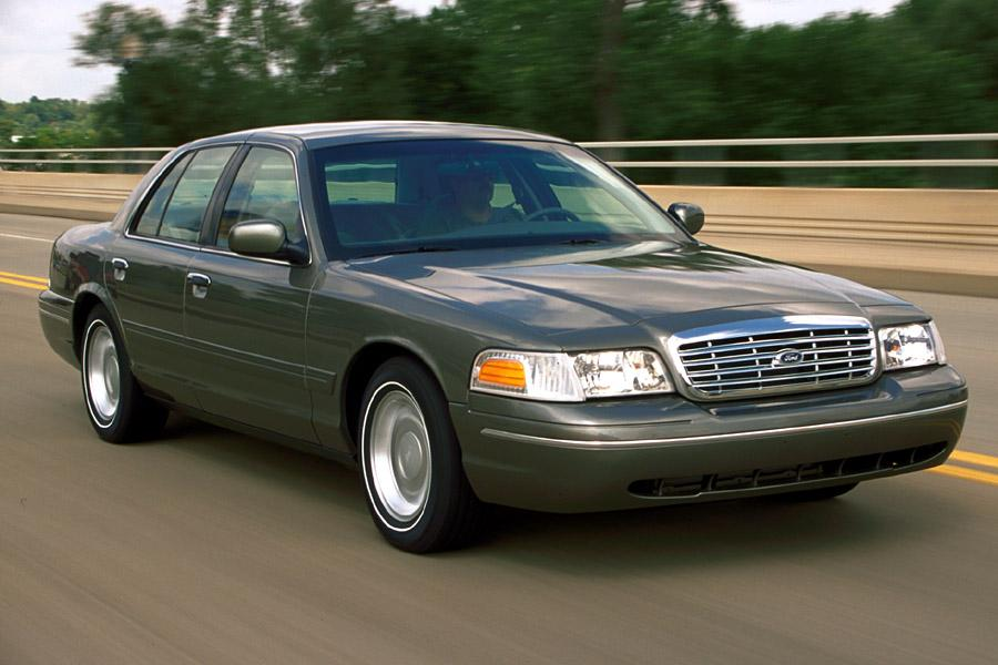 2001 Ford Crown Victoria Photo 1 of 10