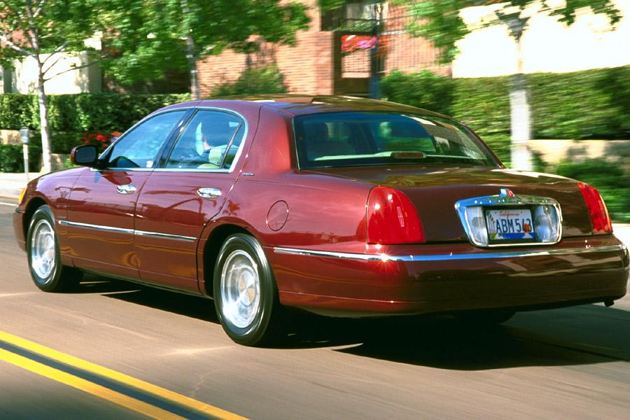 2001 Lincoln Town Car Photo 3 of 6