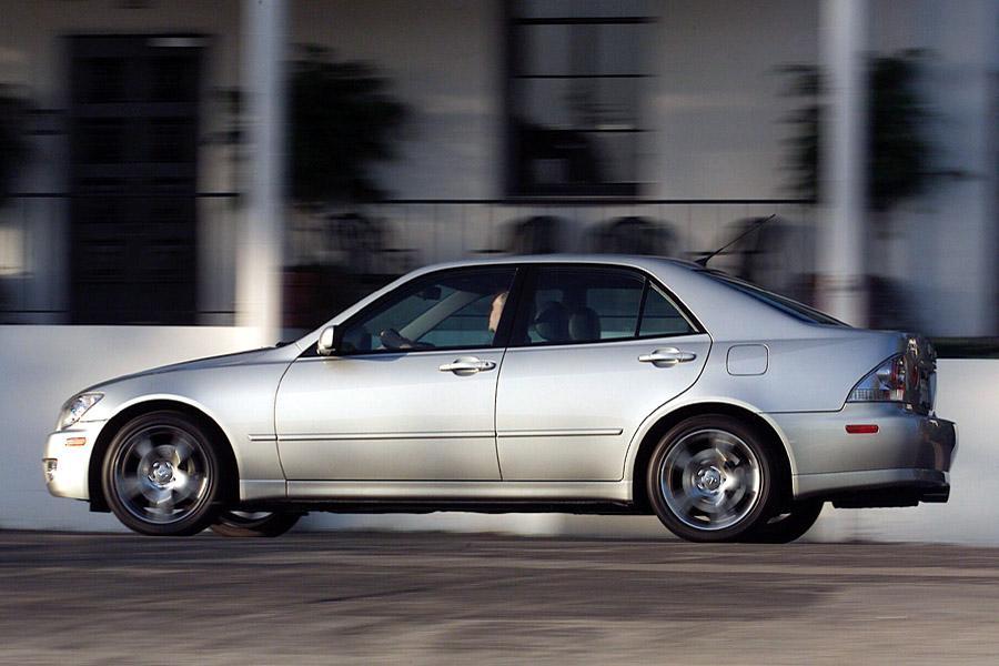 2001 Lexus IS 300 Photo 1 of 9