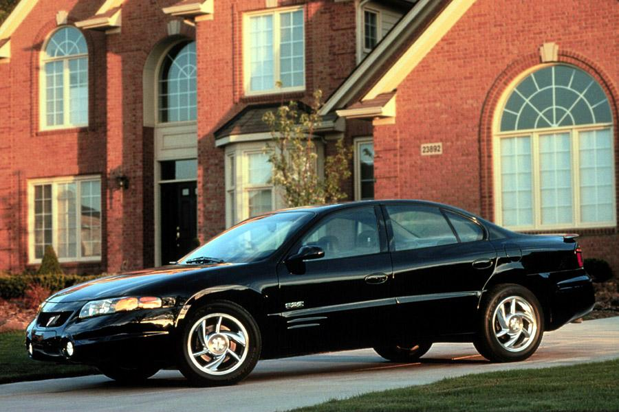 2000 Pontiac Bonneville Photo 2 of 8