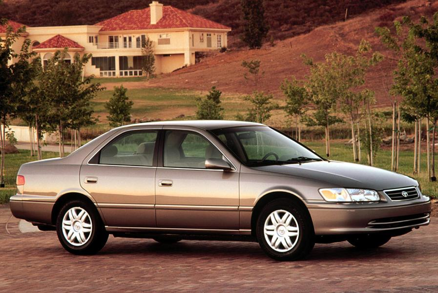 2001 Toyota Camry Photo 2 of 6