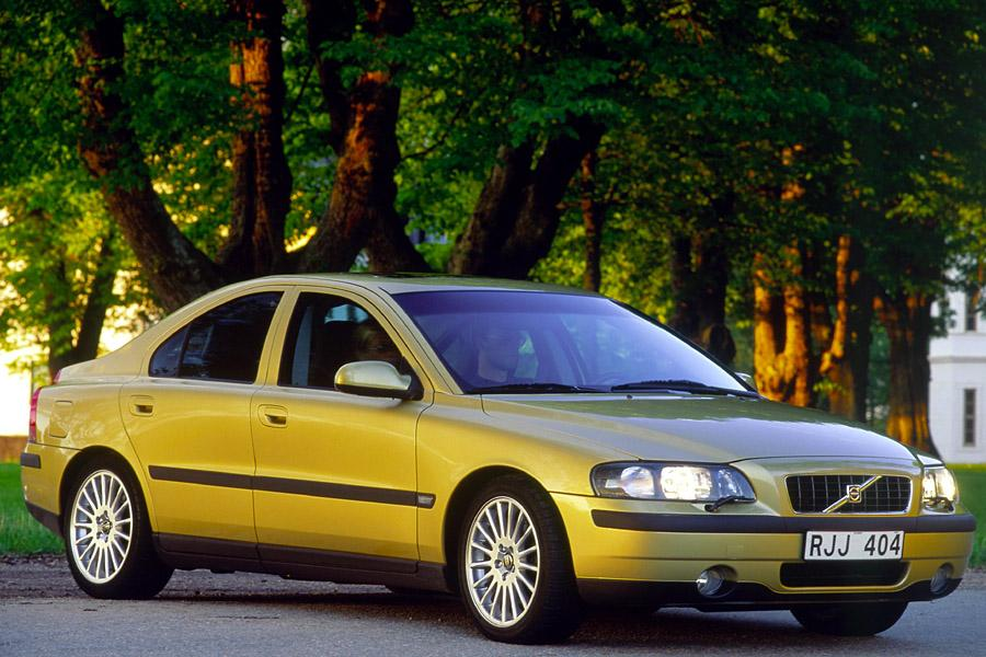 2001 Volvo S60 Photo 2 of 17