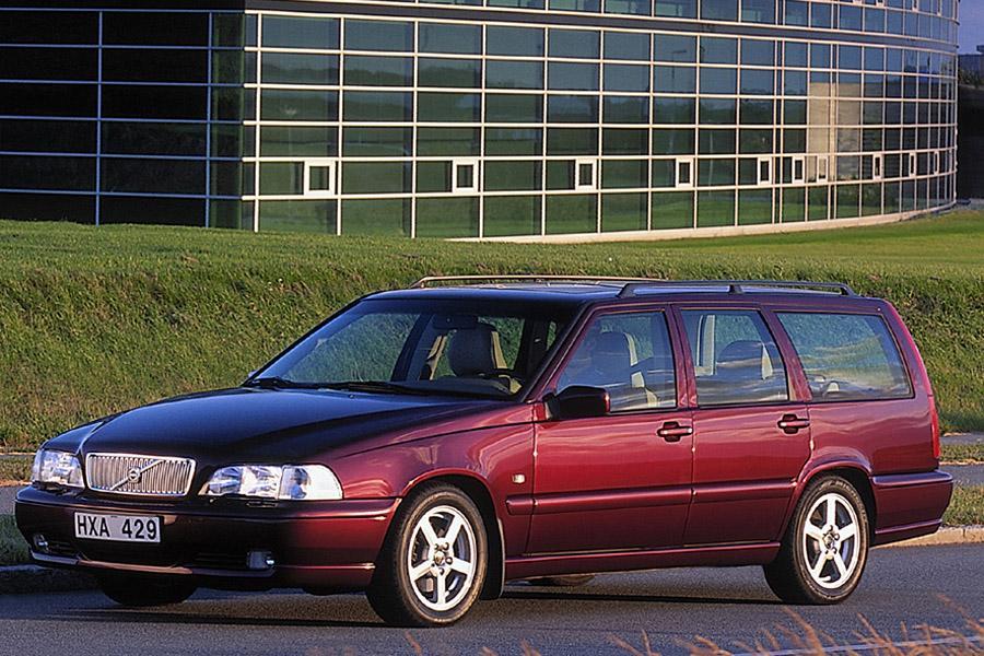 2000 Volvo V70 Photo 1 of 17