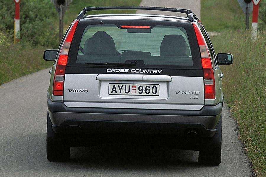 2000 Volvo V70 Overview | Cars.com
