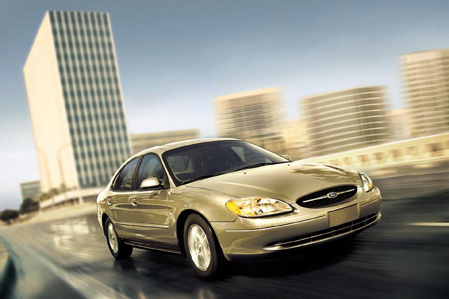 2003 Ford Taurus Photo 2 of 3