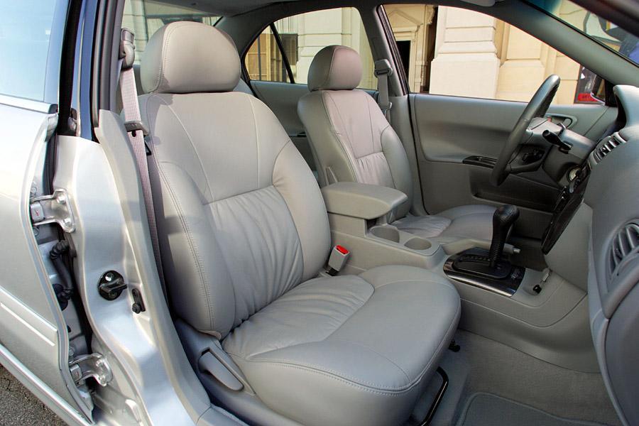 2003 Mitsubishi Galant Photo 3 of 5