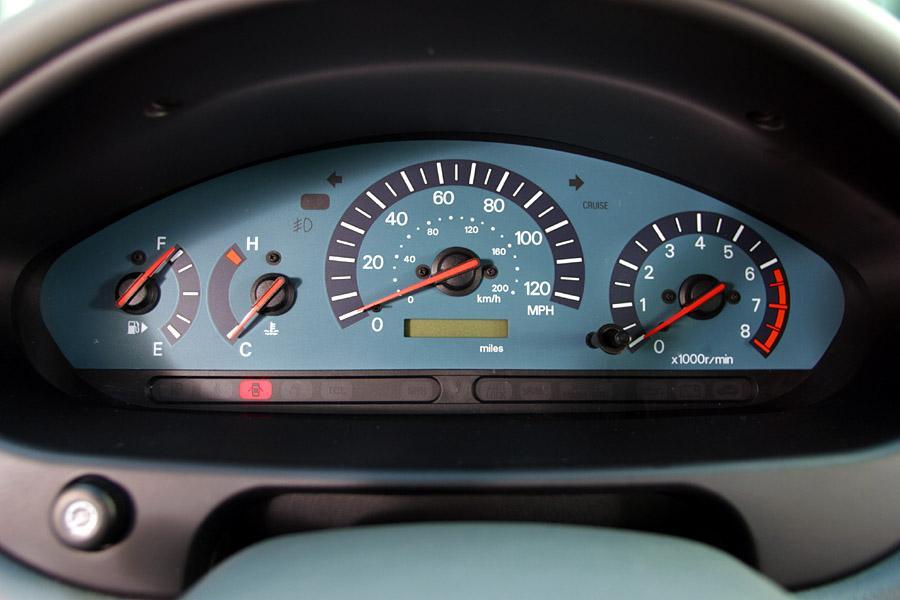 2003 Mitsubishi Galant Photo 4 of 5