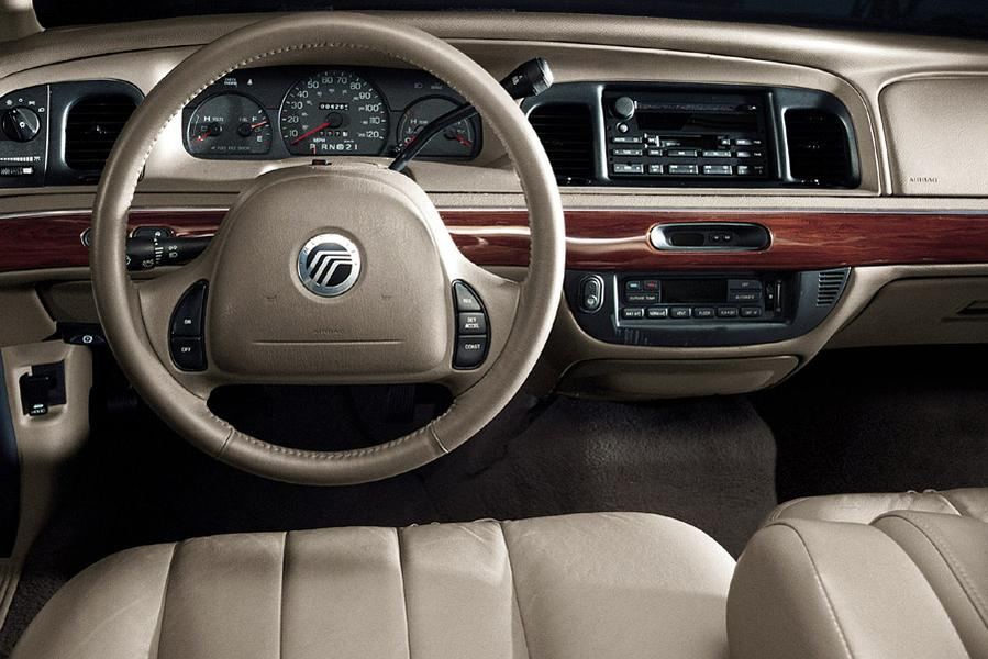2003 Mercury Grand Marquis Photo 2 of 3