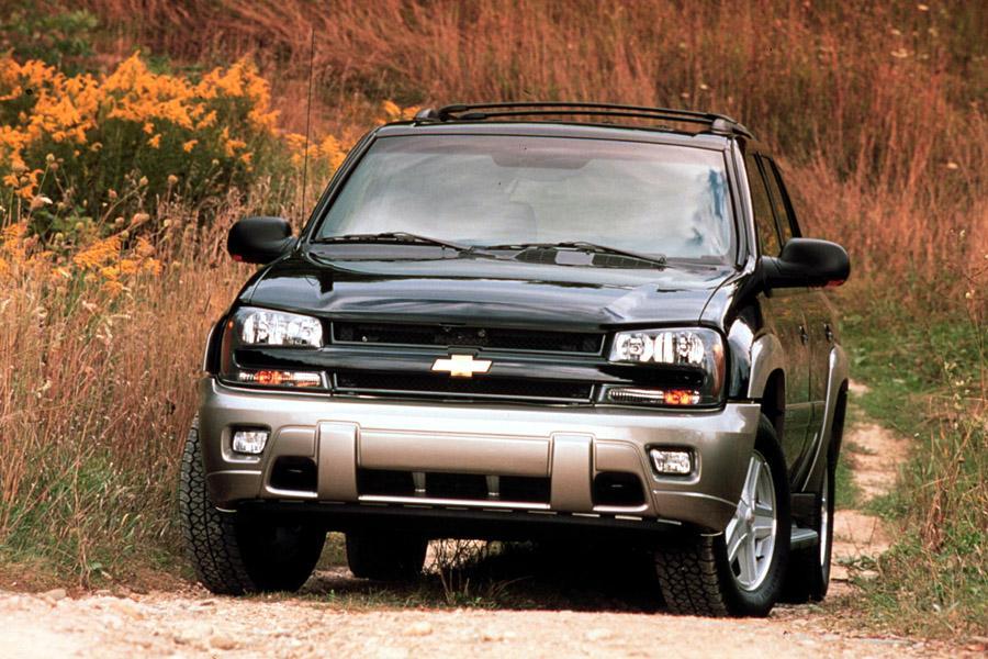 2002 Chevrolet TrailBlazer Photo 2 of 8