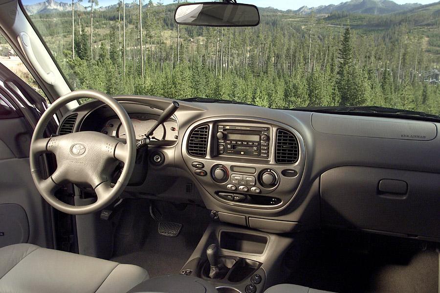 2003 Toyota Sequoia Photo 5 of 5