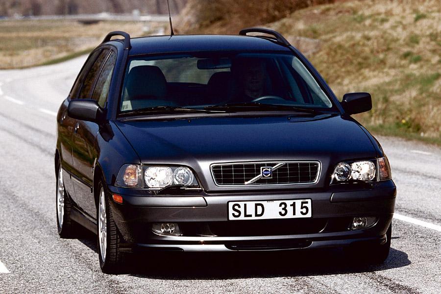 2003 Volvo V40 Photo 1 of 9