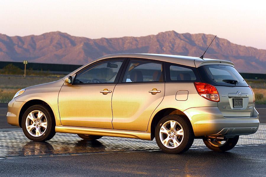 Best Suv For The Money >> 2004 Toyota Matrix Specs, Pictures, Trims, Colors || Cars.com