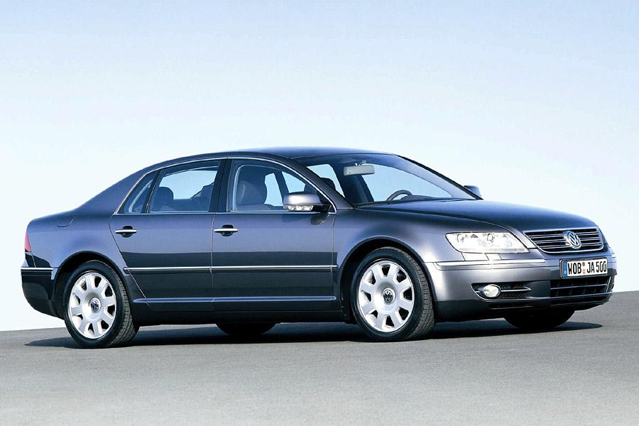 2004 Volkswagen Phaeton Photo 2 of 3
