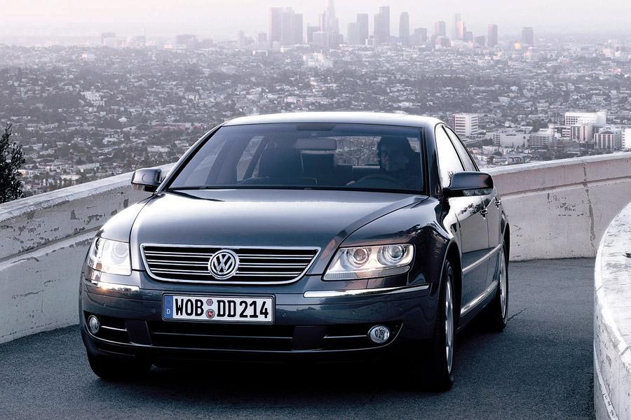 2004 Volkswagen Phaeton Photo 3 of 3