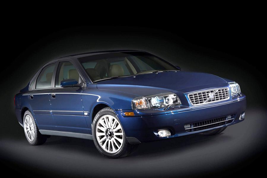 2004 Volvo S80 Photo 2 of 10
